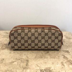 Gucci gg supreme logo pouch